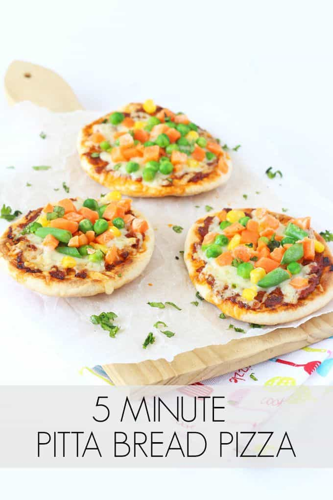 Whip up a super speedy dinner for the family with these 5 minute Veggie Pitta Bread Pizzas   My Fussy Eater blog