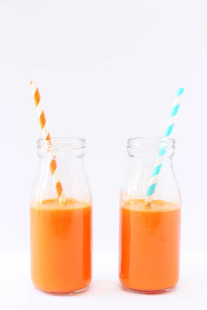 A delicious and healthy Carrot & Orange Juice, packed full of vitamin C and beta carotene and fantastic for kids! | My Fussy Eater blog