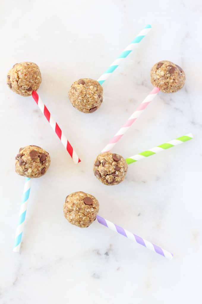 These Chocolate Chip Energy Bites make the perfect snack for kids, packed full of slow releasing carbs from oats and protein from peanut butter and flaxseed. And they look like healthy cake pops too! My Fussy Eater blog