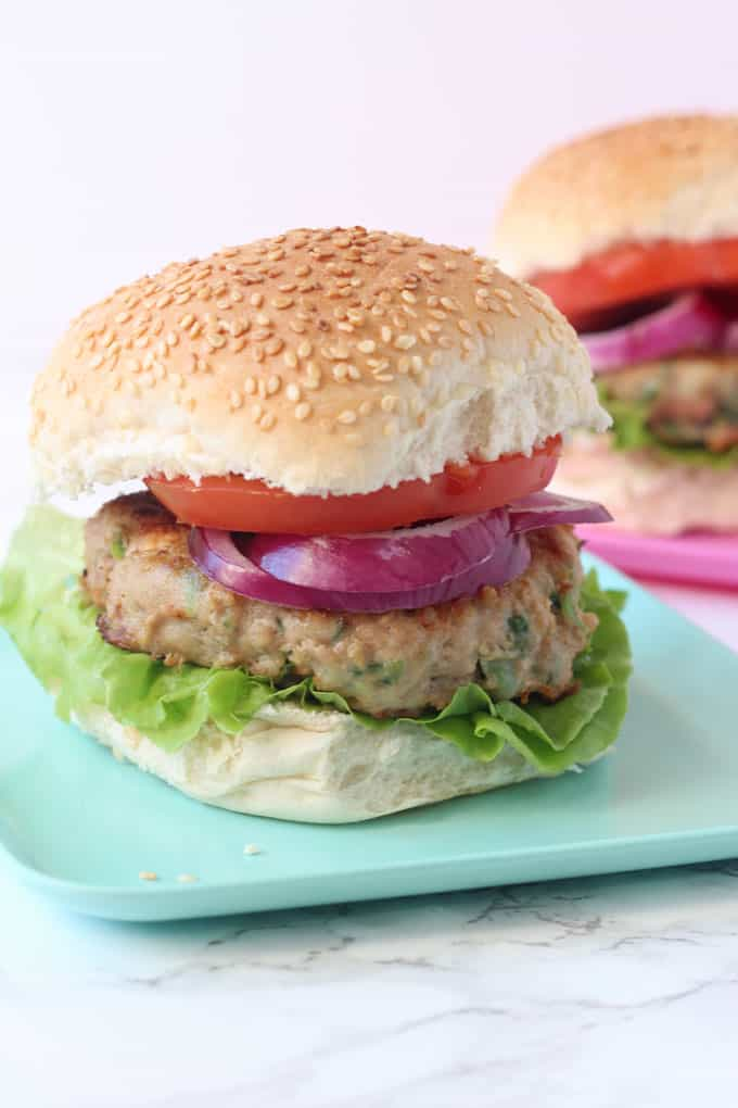A delicious family friendly Turkey Burger packed with spinach and feta!