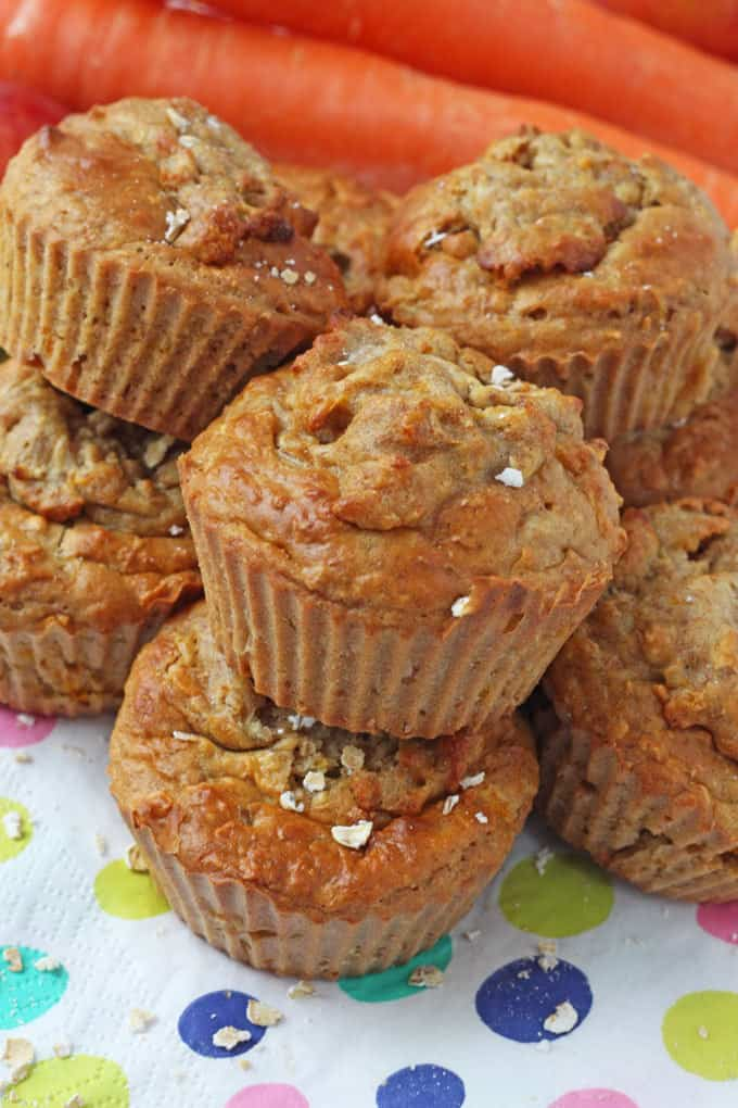 Made with lots of healthy ingredients such as carrots, apple, greek yogurt and oats, these muffins are an excellent after-school snack to feed hungry kids!