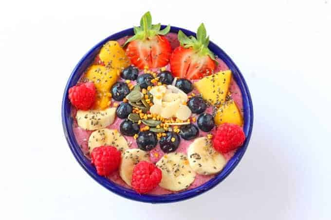 Get the kids more involved in making their meals with these DIY Smoothie Bowls!   My Fussy Eater blog