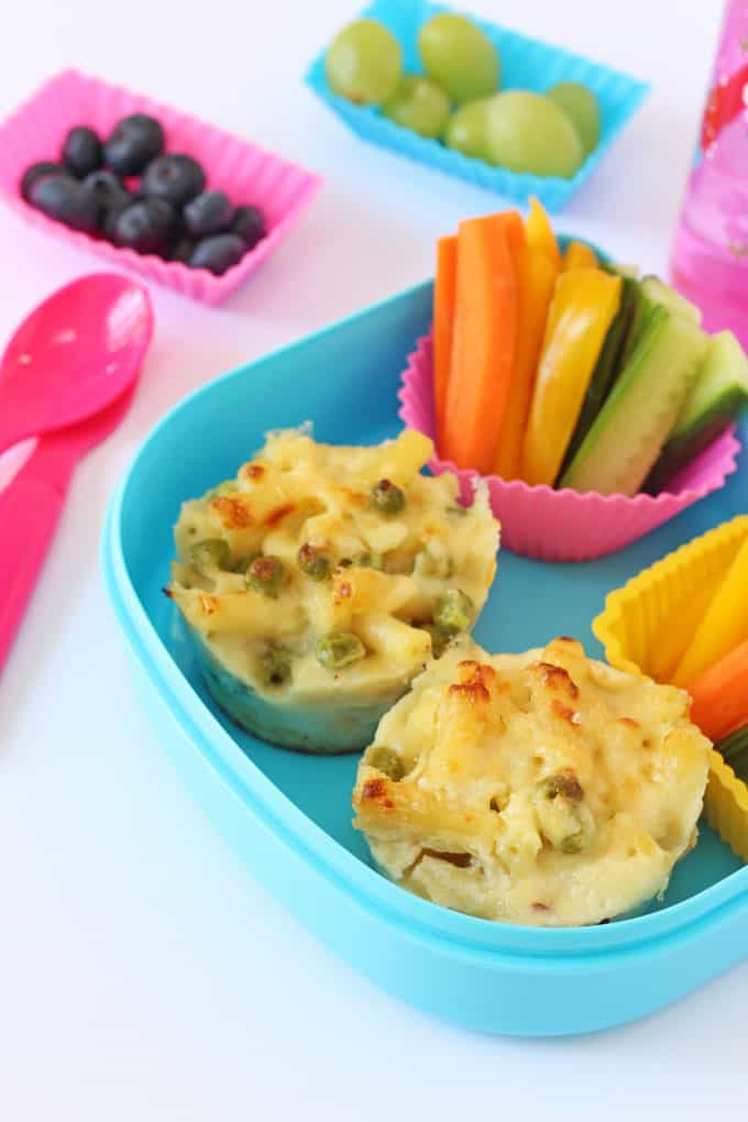 These Mac n Cheese Muffins are the perfect addition to a kids' lunchbox | My Fussy Eater blog