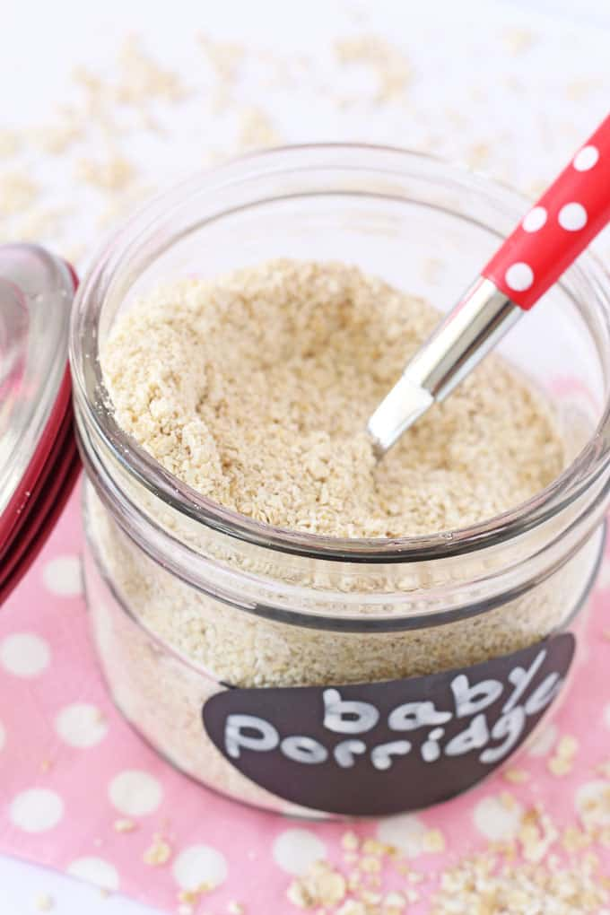 Making your own baby porridge or baby oatmeal is super easy and a much cheaper way to feed a weaning baby than the packaged variety | My Fussy Eater blog
