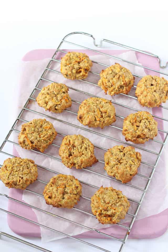 carrot, apple & oat breakfast cookies
