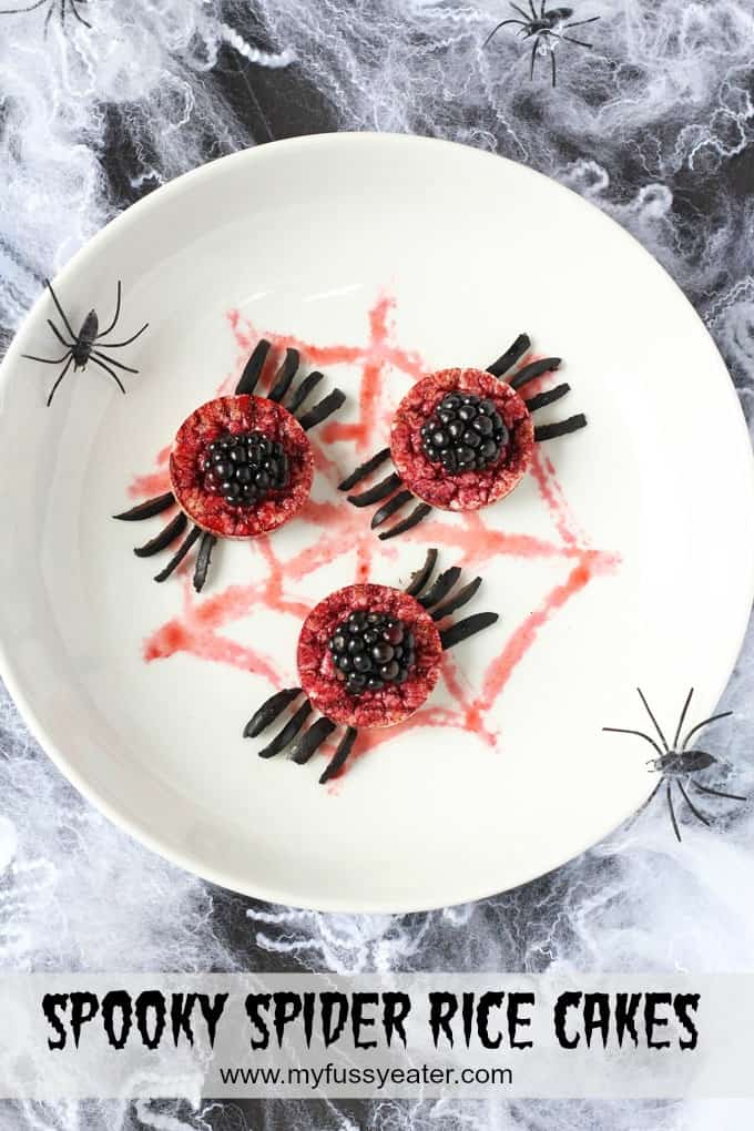 These delicious spooky spiders are a fun and scary treat for your little one's Halloween party. Super easy to make, they're the perfect junk free Halloween treat! | My Fussy Eater blog