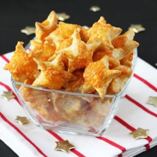 Cheesy Puff Pastry Stars