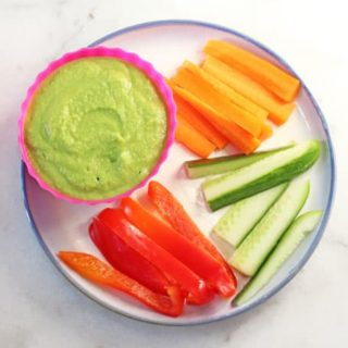 A quick and easy recipe for Pea Hummus. Makes a super healthy snack for kids and great for lunch boxes too. | My Fussy Eater blog