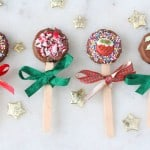 These festive Oreo Pops are coated in chocolate and decorated with Christmas sprinkles and icing decorations. They make a super cute edible gift that kids can make for their friends!