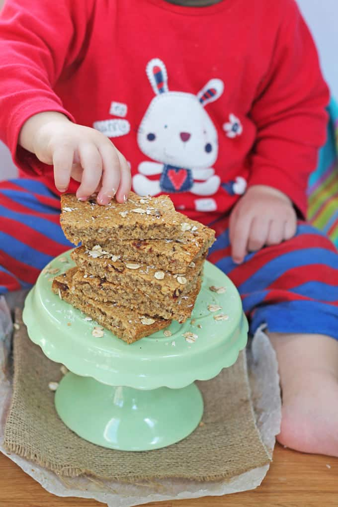 Sugar Free Flapjacks or Oat Bars for baby led weaning | My Fussy Eater blog