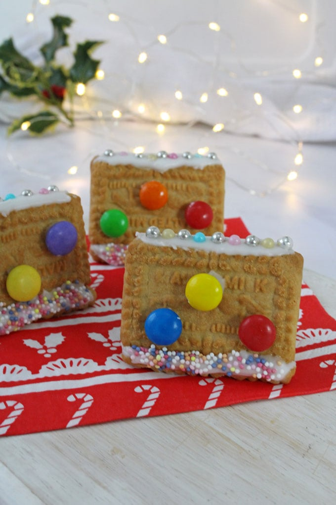 mini cookie houses
