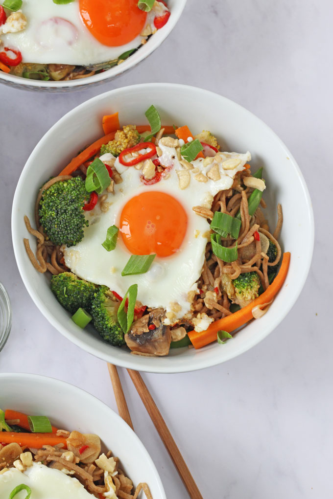 Vegetable Noodle Stir Fry with a fried egg