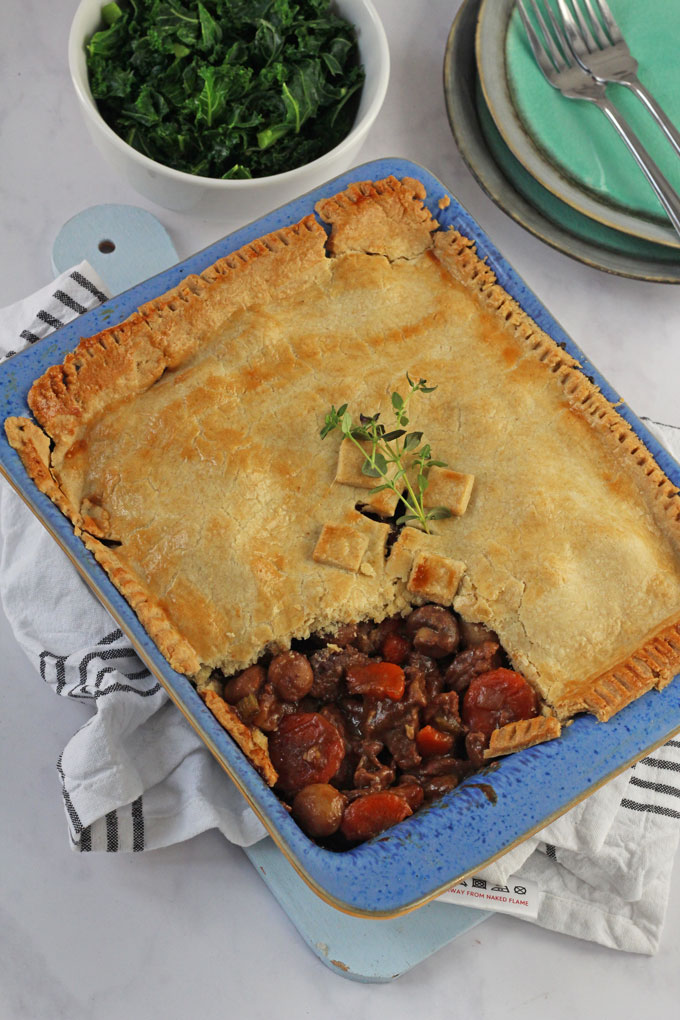 Winter Beef & Vegetable Pie - a delicious and easy to make pie, the ultimate comfort food!