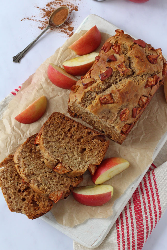 cinnamon & apple cake