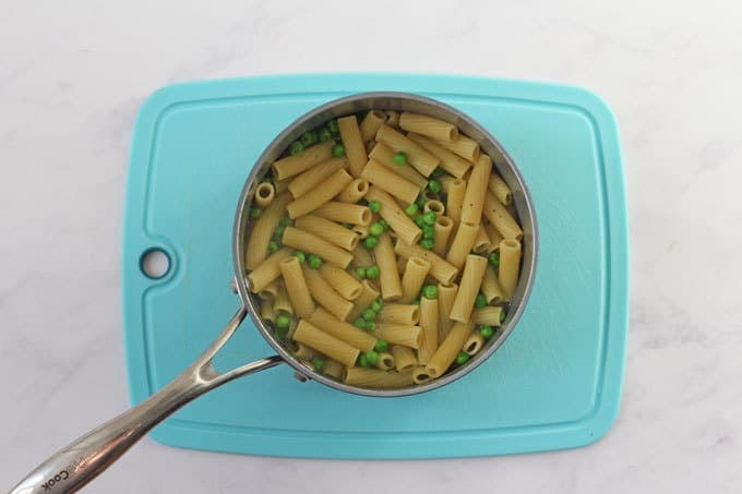 Pasta and peas in a pan