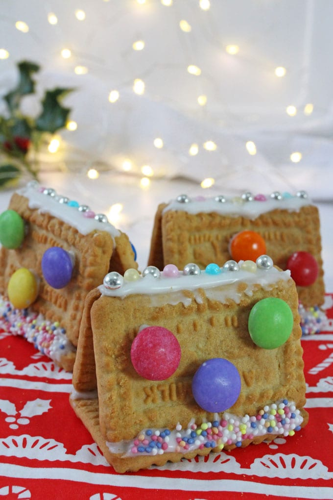 Mini Cookie Houses - Christmas Food Activity for Kids