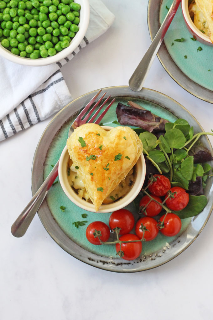 Easy Haddock Pie | Quick & easy recipe for a cheesy haddock pie topped with puff pastry