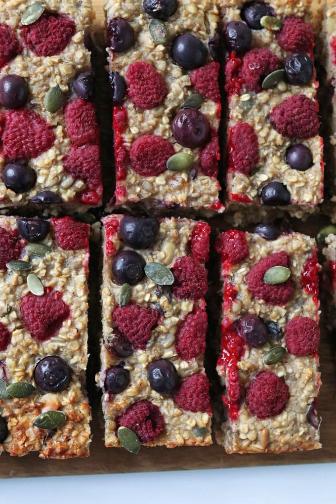 Healthy Oat & Fruit Breakfast Bar