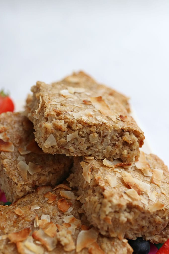 Coconut, Almond & Oat Breakfast Bar Recipe