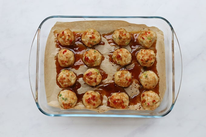 Sweet Chilli chicken meatballs in sauce