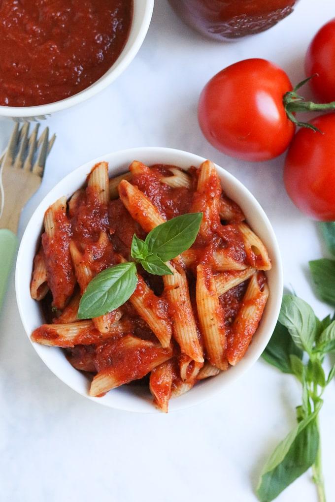 Slow Cooker Tomato Basil Pasta Sauce