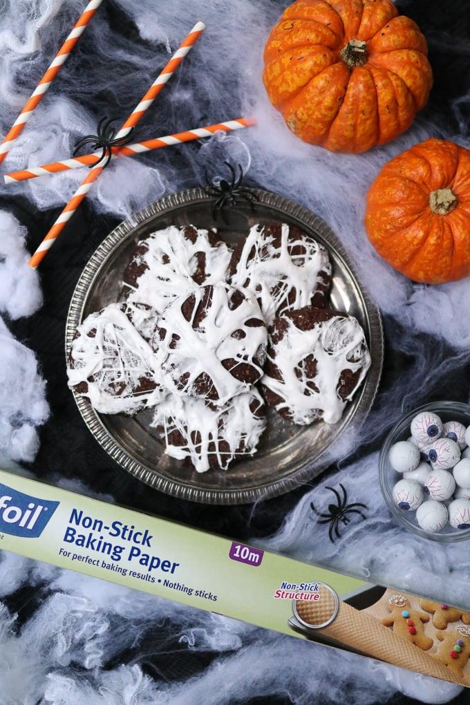chocolate spiderweb cookies
