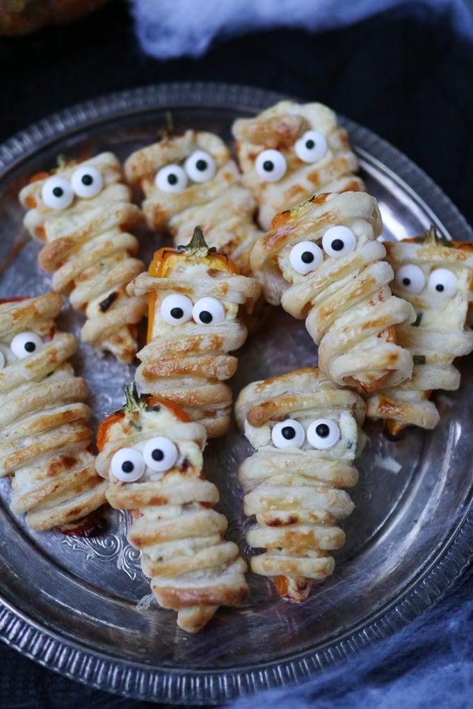halloween stuffed pepper mummies