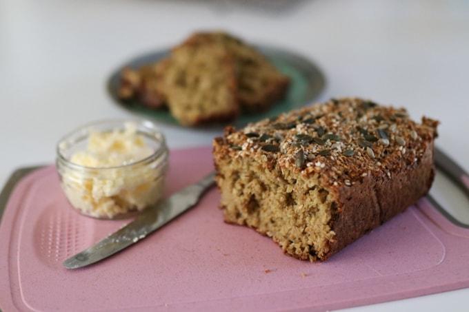 porridge bread with butter