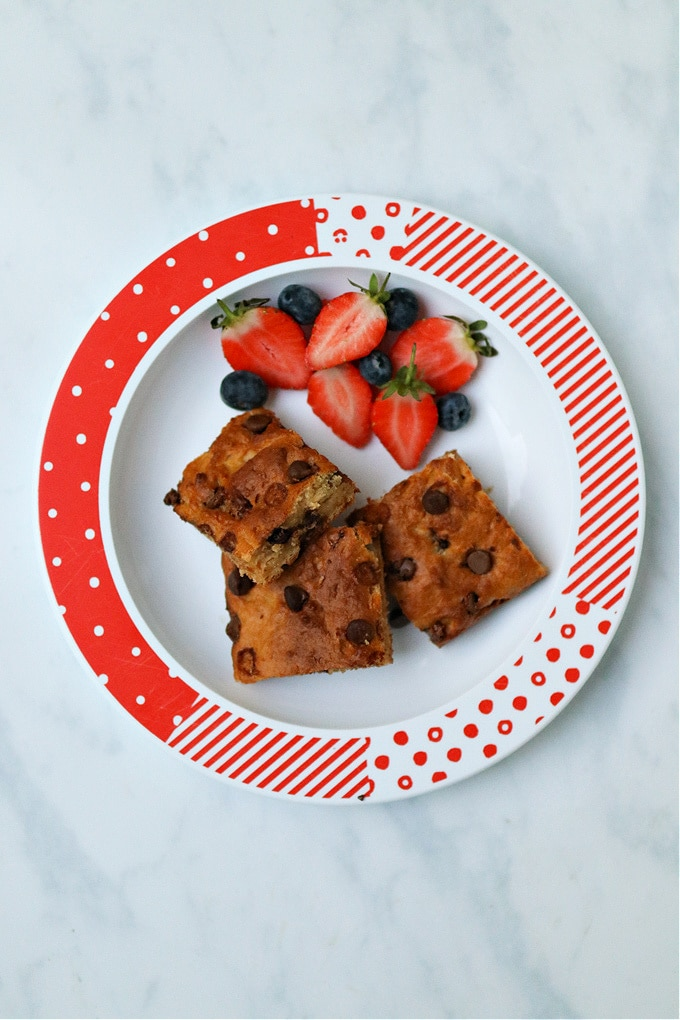 cake bars served with strawberries & blueberries